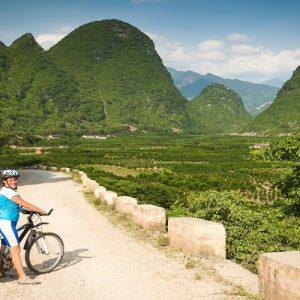 Cycling in Yangshuo - 阳朔自行车旅游